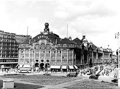 Kaufhaus Hertie am Alexanderplatz, Berlin, Aussenansicht- 1943 Berlin Alexanderplatz, Interesting Buildings, Places Of Interest, World War Two, Historical Photos, Ww2, Places To Travel, The Past, Germany