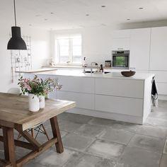 Kitchen concrete white