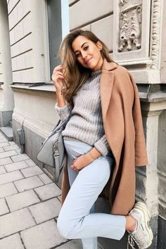Pants and coat Casual Maternity Outfits, Stylish Maternity, Pregnancy Outfits, Maternity Wear, Maternity Fashion, Casual Outfits, Maternity Styles, Maternity Swimwear, Pregnancy Photos