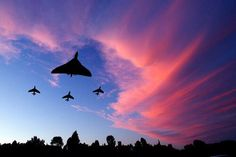 Escorted Home by Fire Service No Military Jets, Military Aircraft, Photo Avion, Military Engineering, V Force, War Jet, Avro Vulcan, Delta Wing, Air Force Aircraft