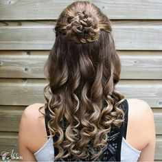 Half up Cute Prom Hairstyles, Down Hairstyles, Braided Hairstyles, Wedding Hairstyles, Cool School Supplies, Wedding Hair Down, Curtido, Half Up, Headdress
