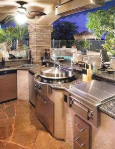 Circular Cooktop in Outdoor Kitchen View luxury real estate listings at www.seattleluxury More The post Circular Cooktop in Outdoor Kitchen View luxury appeared first on aubenkuche. Best Kitchen Design, Outdoor Kitchen Design, Backyard Kitchen, Kitchen Grill, Bar Kitchen, Backyard Bbq, Kitchen Canopy, Oasis Backyard, Backyard Parties