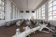 """Francos verschrottete Luxus-Yacht - Auch im digitalen Zeitalter gilt: """"Kunst ist Material"""", sagt Genoveva Rückert, Kuratorin der Ausstellungsreihe OK Labor im O.K. Offenes Kulturhaus in Linz. Mehr dazu hier: http://www.nachrichten.at/nachrichten/kultur/Francos-verschrottete-Luxus-Yacht;art16,1318866 (Bild: Otto Saxinger)"""