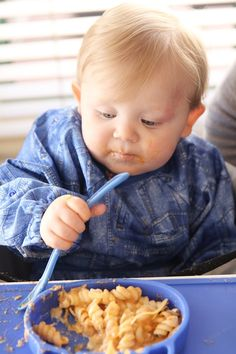 Grippo 2-in-1 Silicone Placemat and Plate in Blue Messy Play, Food Trays, How To Make Breakfast, Baby Led Weaning, Baby Safe, Baby Online, Happy Baby, Free Baby Stuff, Happy Family