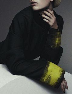 opaqueglitter:  Vogue Australia October 2013,Ashleigh Good byBenny Horne.