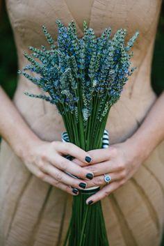 Real Lavender Florals: Bouquet Inspiration #weddingflowers #wedding #teamwedding