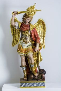 AKO - AKO - sculture in legno - arte sacrale Kunst Online, Sacred Architecture, World Of Darkness, Set Me Free, Archangel Michael, Guardian Angels, Angels And Demons, St Michael, Ikon