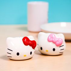 Just gotta have Hello Kitty in the kitchen!  Salt & Pepper Shakers