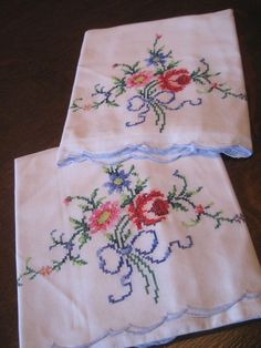 SET 2 Antique/Vintage PINK BLUE ROSE FLORAL CROSS-STITCH EMBROIDERY PILLOWCASES