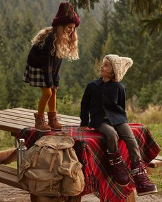 Moon Boot® - Official website and Online Store Cosy Winter, Those Days, Moon Boots, Cowboy Hats, Backpacks, Baby Style, Official Store, The Originals, Campaign