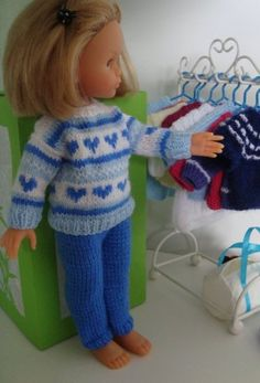 Merci à toutes pour vos commentaires.. Je suis heureuse de partager le tuto de… Crochet Doll Clothes, Knitted Dolls, Ag Dolls, Barbie Dolls, Nancy Doll, Journey Girls, Doll Costume, 18 Inch Doll, Doll Patterns