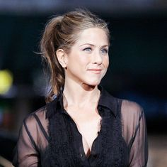 can't stop staring at her beautiful blue eyes (new prof piccc ;)) [ #jenniferaniston ]