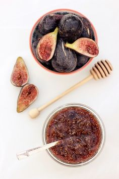 I love this fig jam! It's great to make and pop on a cheese board with crackers and cheese. My favourite is on crostini with a little goats cheese - yum!  What you'll need:  450g fresh figs, washed, stems removed and cut into [...]