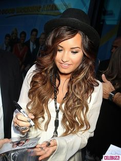 Fall Hair Trends Demi Lovato, love this ombre, I'm thinking it's like mine in a way.