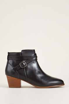 new product 113b1 e2252 Bottines en cuir noires zoom