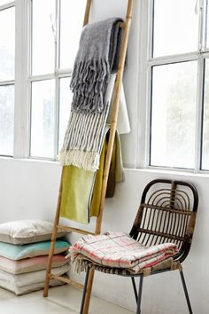 Hanging Textiles/throw blankets on ladder (adds texture + no holes in ...