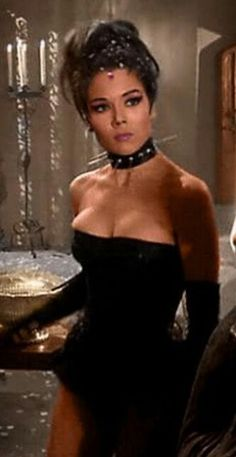 Diana Rigg of the Avengers The Avengers, Canadian Actresses, Female Actresses, Diana Riggs, James Bond Movie Posters, Dame Diana Rigg, Gal Gabot, Emma Peel, Curvy Girl Lingerie