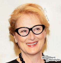 16 Ideas Hairstyles for Over 50 With Glasses
