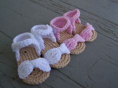 .Crocheted baby sandals... too cute!