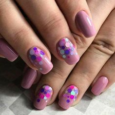 Here comes one of the easiest nail art design ideas for beginners. There are so many creative ways to decorate your nails, and you can make them look differently every… Read more › Diy Nail Designs, Simple Nail Art Designs, Beautiful Nail Designs, Fabulous Nails, Gorgeous Nails, Trendy Nails, Cute Nails, Nail Art Paillette, Hair And Nails