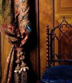 Renzo Mongiardino ........beautiful drapes