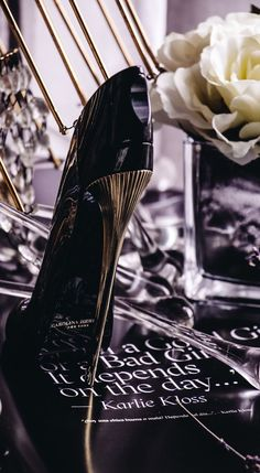 Celebrating national fragrance week, with a series of still life and flatlays dedicated to beautiful new fragrances. Good Girl by Carolina Herrera made its UK debut with an exclusive launch party with the face of the fragrance Karlie Kloss. Carolina Herrera Perfume Good Girl, Carolina Herrera Eau De Parfum, Perfume Store, Perfume Oils, Flowerbomb Perfume, Dior Perfume, Good Girl Perfume, Oriental Perfumes, Autumn Scenes
