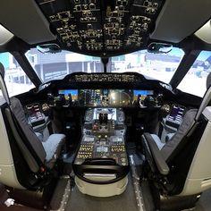 El simulador de vuelo Boeing 787 es el primero de su tipo en México y Latinoamérica.