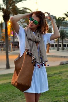 As the sun goes down... - ✰ Justine ωith Ruth ✰ Our love to live - Uroda, Moda i Lifestyle. Blog z Trójmiasta #scarf #Barcelona Scarf from Szaleo.pl