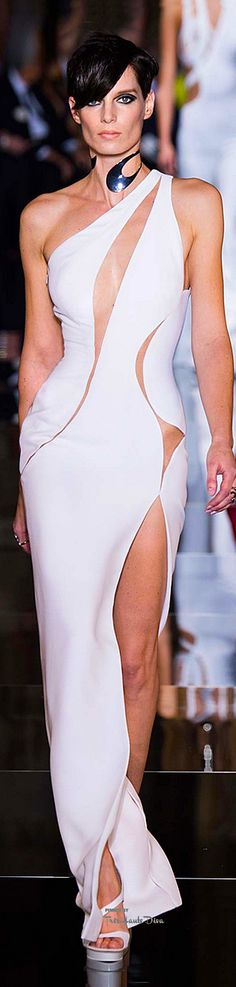 Atelier Versace Spring 2015 Couture Fashion Show Donatella Versace, Gianni Versace, Atelier Versace, Style Haute Couture, Couture Fashion, Runway Fashion, White Fashion, Look Fashion, Fashion Show