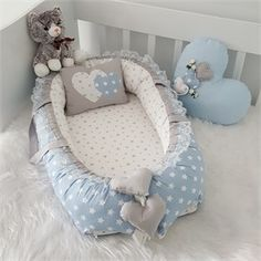 Modastra Gri-Beyaz Yıldız Desenli Babynest Set Baby Bedroom, Baby Boy Rooms, Baby Room Decor, Baby Girl Car, Kit Bebe, Baby Bassinet, Baby Swings, Quilt Baby, Kids Room Design
