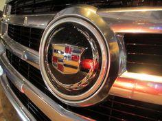 2014 MI International Auto Show - Cadillac display area - Grand Rapids - 2015 Escalade grille detail