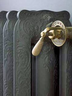 Looking for thermostatic taps for your antique iron radiator! Check it out at Kempische Bouwmaterialen! Home Interior, Interior And Exterior, Interior Design, Interior Styling, Cast Iron Radiators, Deco Originale, Grey And Gold, Shades Of Grey, Architecture Details