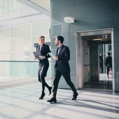 'Walking meetings' may boost employees' health and productivity