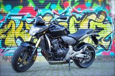 Damn!! What do you think of the Honda Hornet 600 2007? Comment #Hot or #Not below! ----- COMMENT  TAG  LIKE  REPOST  ------ Follow us  @bunchzillacom @bunchzillacom @bunchzillacom  #motorcycleofinstagram #motorcyclespirit #motorcyclemadness #motorcycleaccident #motorcycleriders #motorcycleadventures #motorcyclenews #motorcycledesign #motorcyclefashion #motorcycletours #MotorcycleCrash #motorcyclegirls #motorcyclelifebikes Motorcycle News, Moto Bike, Motorcycle Design, Motorcycle Style, Hornet, Thinking Of You, Adventure, Naked, Cars