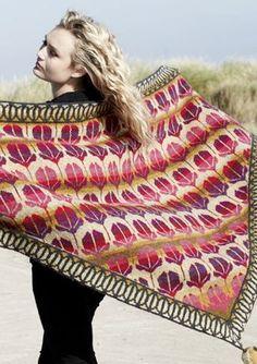 Lily shawl by Christel Seyfarth. Colors for jacquard damask scarf