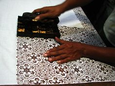 You can find information on our BATIK Sarong Clothing Collection! Stamping one of the methods to make batik in Indonesia Textiles, Textile Patterns, Textile Design, Shibori, Batik Kebaya, Batik Pattern, Homemade Art, Fabric Manipulation, Fabric Painting