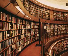 My house would have a library like this,