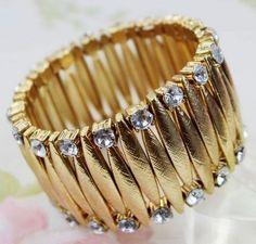 European style flash diamond gold texture bracelet at www.dearoy.com
