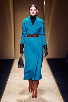 Luisa Spagnoli Fall Winter 2020 - 2021 fashion show at Milano Fashion Week (February Vogue Fashion, Fashion Wear, Fashion 2020, Couture Fashion, New Fashion, Runway Fashion, High Fashion, Winter Fashion, Fashion Outfits