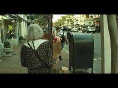 Aqui a prova de que gentileza gera gentileza entre as muitas voltas que o mundo dá (VÍDEO)