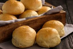 Gluten Free, Leftover Mashed Potato Rolls recipe from MamaBake! Mashed Potato Rolls Recipe, Cheesy Mashed Potatoes, Portuguese Bread Rolls Recipe, Fathead Bread, Potato Bread, How To Cook Potatoes, Dinner Rolls, Bread Recipes, Favorite Recipes