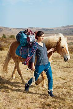 "Top Balia, pantalon Kohana, étole Dickens, boutis, coussins Nida, La Fiancée du Mekong, collection AH15 ""In Mongolie for Love""."