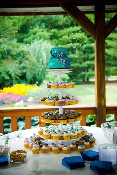 DIY wedding cupcake cake  #weddings