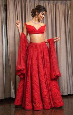 Find the latest Bollywood celebrity inspired lehenga designs for weddings. Check Lehenga designs worn by Alia Bhatt, Katrina Kaif, Shradhha Kapoor. Red Lehenga, Party Wear Lehenga, Indian Lehenga, Indian Gowns, Indian Attire, Indian Ethnic Wear, Heavy Lehenga, Anarkali, Indian Bridal Outfits
