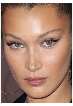 Makeup Trends, Makeup Inspo, Makeup Inspiration, Beauty Makeup, Eye Makeup, Makeup Tips, Retro Makeup, Makeup Ideas, Makeup Brushes