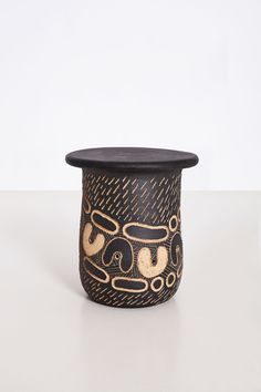 Ngwana (Child) Stoneware clay 30 x 30 x 40 cm Unique series of 10