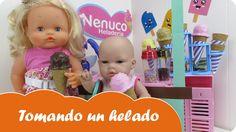 En este vídeo nuestras bebés de juguete tomarán un helado en la baby Nenuco heladería. La muñeca bebé Lucía se va a tomar un helado de fresa y su prima Nenuco Sofía de chocolate.  Estupendas aventuras de bebés Nenucos en español para niñas a partir de tres años.  ¡Diviértete con este vídeo en Mundo Juguetes, tu canal de vídeos de juguetes Nenuco en español!