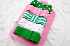KISS ME St. Pattys day Green n Pink Baby Hair Clips / Newborn Hair Clips / Itty Bitty Baby Bow Clips / Toddler Girls Simple Bow Clips