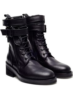 18d5f063a447 These womens combat boots (also called military boots) are at the ...