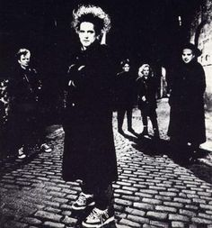ROBERT SMITH & THE CURE